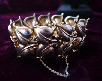 1950s Crown Trifari Bracelet with Safety Catch and Chain Polished Brass 7.25 x 1.25W Excellent Organic Design Classic Modern