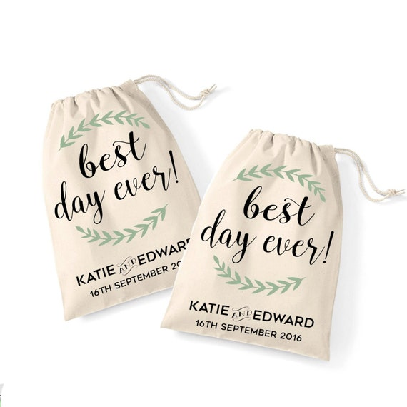 Wedding Gift Bag For Bride And Groom : set of 2 wedding day bride and groom cotton gift bags Personalised ...