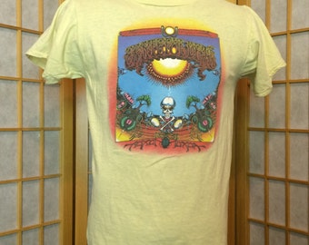 Vintage 1980s Grateful Dead T-Shirt Yellow in Great Condition No Stains, Holes or Other Defects