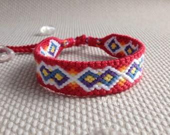Macrame bracelet in rainbow colors