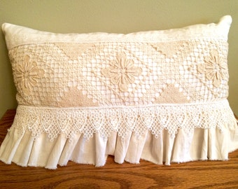 21-10-15 Ivory & Crochet Pillow