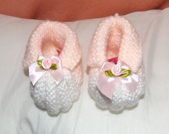 Newborn Baby Bootees, Fits 0 - 1 Year Old Babies, Knitted baby bootees or Shoes for Newborn Baby, Baby Shower Gift, Christmas Baby Gif