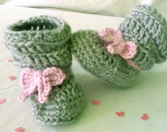 Crochet baby shoes - baby booties