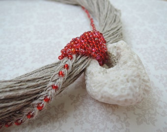 Linen coral seed beads necklace
