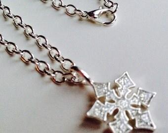 Sale Snowflake Frozen Glitter Necklace