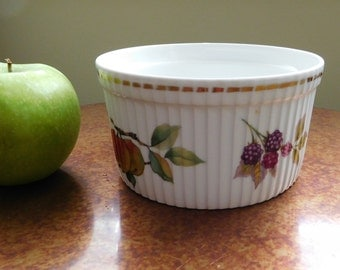 "Royal Worcester baking dish.  Souffle dish.  Made in England.  Vintage. 5 /2"" diameter. SALE - was 15.00"