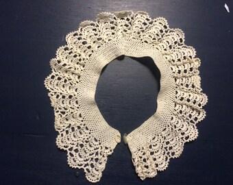 Crocheted detachable collar