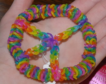 Rainbow Loom Peace Sign Suncatcher. Sun Catcher