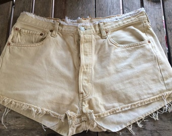 Cute Distressed Vintage Levi Jean Shorts