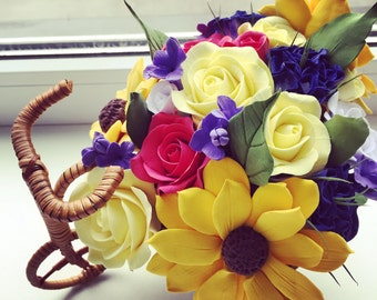 Custom-made bouquet with lifelike flowers of clay
