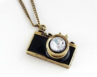 1 Black Camera Pendant with Crystal Rhinestone 32mm x 23mm - 40H