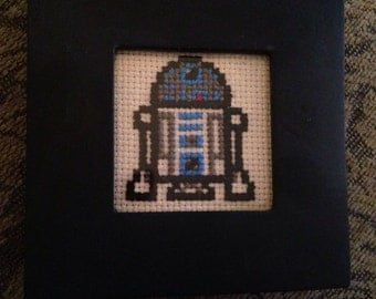Itty bitty, mini R2D2 - star wars - cross stitch in chalkboard frame!
