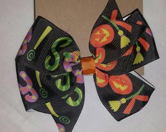 Halloween, Hair Bow, Single prong clip, Grosgrain Ribbon, Orange, black, purple and green.