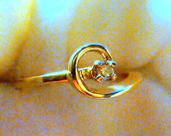 Natural Canary Diamond Ring in 14K Gold