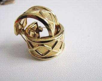 Monet Wide band Hoop Pierced Earrings Gold Tone Vintage Round