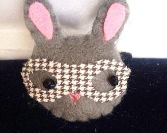 felt bunny brooch