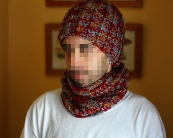 Unisex Set neck and cap in burgundy marbled tones. Handmade with two needles in acrylic wool