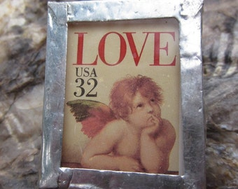 Vintage soldered fused glass cherub brooch/cupid postage stamp/glass soldered brooch/vintage postage stamps/hat-pin/scarf pin