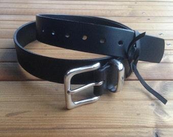 Belt, vintage style, in black