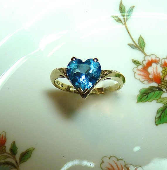 Fifteen Dollar Price Reduction ~Ring ~ HEART Solitaire ~ 10K Yellow Gold ~ BLUE TOPAZ ~ Unique Vintage Engagement Ring ~ Promise Ring