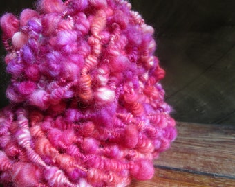 "Wool spun by hand ""sweets"""
