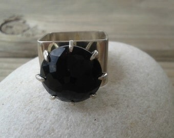 Black  agate, Sterling silver and black agate, silver art ring