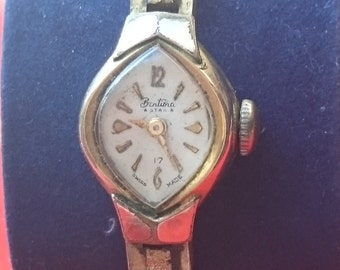 Dainty Ladies 1950s Gold Plated Bentima Star Mechanical Bracelet Watch