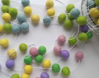 Easter garland, Easter bunting, felt ball garland, pastel garland, spring decor, nursery decoration, nursery bunting, yellow garland, mint