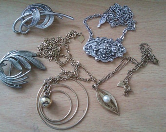 5 Sarah Cov Jewellery Items