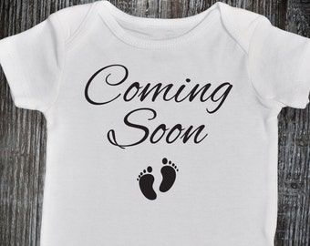 Coming Soon Onesie, Pregnancy Announcement Onesie, Pregnancy Reveal, I'm Pregnant Onesie, Pregnancy Reveal to Family, Hashtag Expecting