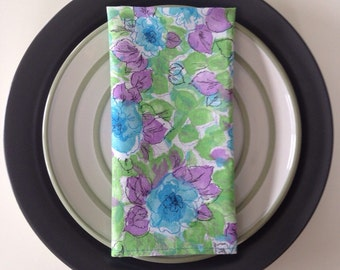 Flower Bundle Cloth Napkins: Picnic Napkins Dinner Napkins