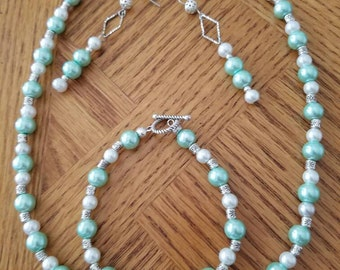 Mint Green Pearl Necklace Set
