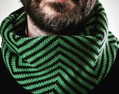 Infinity scarf. Wool 100%. Gift for him. Accessories for men. Woollo handmade. Black and green