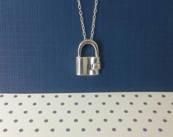 925 sterling silver /  Padlock pendant with Chain in solid silver/Padlock pendant /padlock charm /padlock necklace