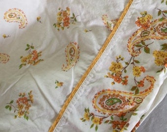 Vintage paisley 100% Cotton full flat sheet. Free shipping!