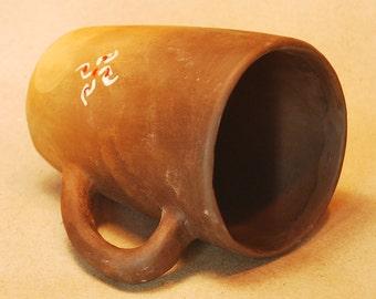 Ornamental tea cups, big pottery mug