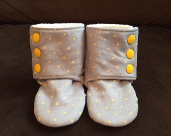 Stay-on Baby Booties with non-slip bottoms (9-12 months)
