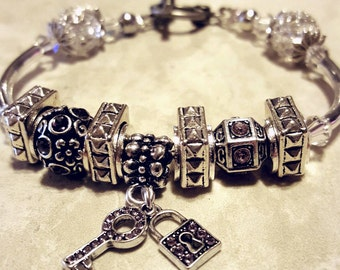 Gorgeous KKE Design Purple Charm bracelet