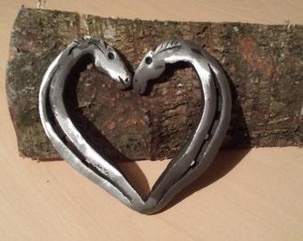 horses kissing, horseshoe heart
