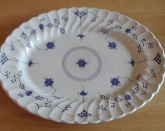Myott Finlandia Staffordshire Pottery 1982 Blue and White Floral Serving Platter 39cm
