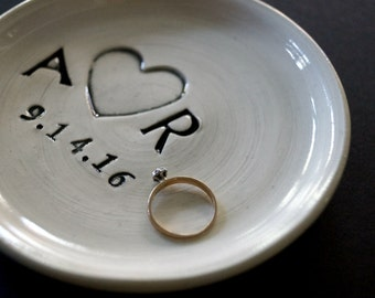 Ring Holder, Ring Dish, Ring Plate, Custom Wedding Gift, Bridal Gift, Engagement Gift, Made to Order