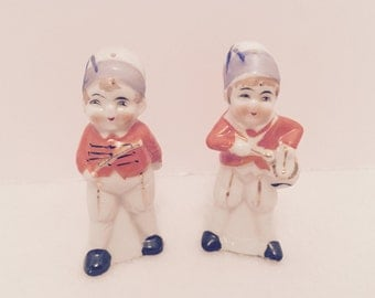Vintage Occupied Japan Salt & Pepper Shakers