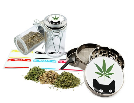 """Leaf Cat - 2.5"""" Zinc Alloy Grinder & 75ml Locking Top Glass Jar Combo Gift Set Item # G50-8715-7"""