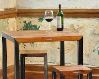 Metal wood table + stools