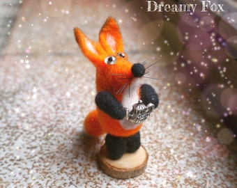 Needle felted fox - needle felted animal - soft sculpture - gift -  home decor - fiber art - miniature - felting