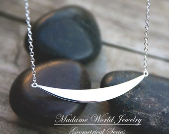Plain Curved Bar Minimalist Necklace