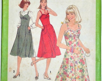 1970s Simplicity Vintage Sewing Pattern 8467, Size 8