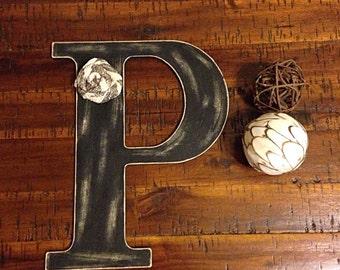 Distressed wooden letter | letter P | wooden letter | letter with burlap