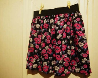 Full skirt with elastic waist-flowers-with little stars
