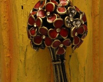 Red Metal Flower Floral Bouquet Pendant Necklace